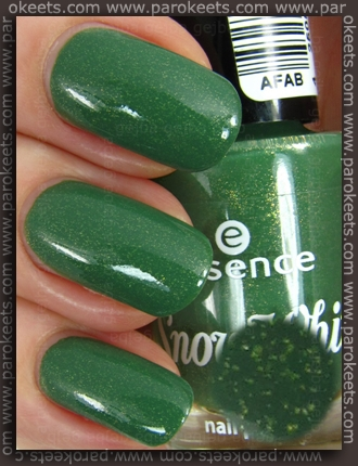Essence Snow White TE Bashful nail polish