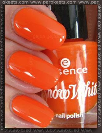 Essence Snow White TE - Doc nail polish