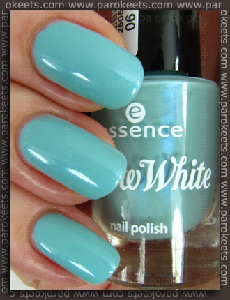 Essence Snow White TE - Sleepy nail polish