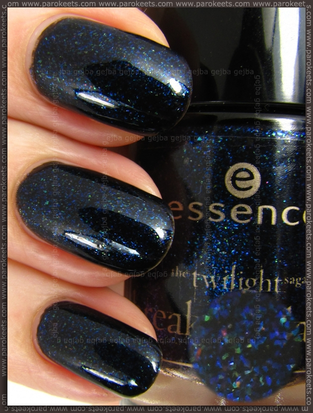 Essence Breaking Dawn - Jacobs Protection nail polish