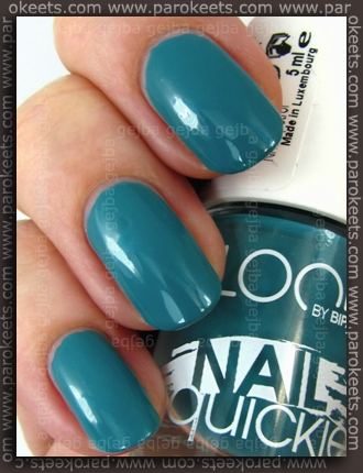 Look by Bipa Petrol nail polish