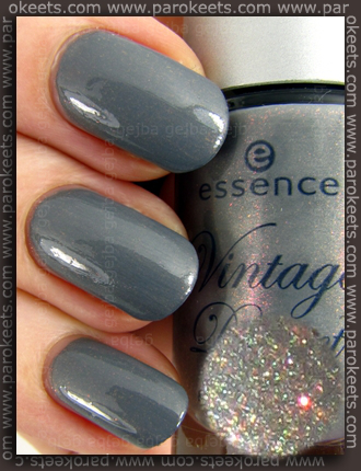 Essence Vintage District - Get Arty nail polish