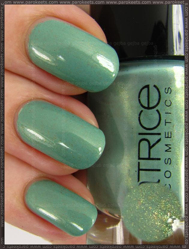 Catrice Mint Me Up nail polish