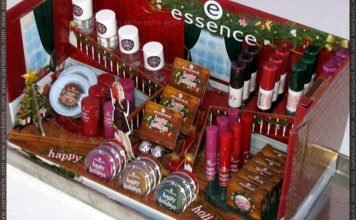 Essence Happy Holidays LE stand
