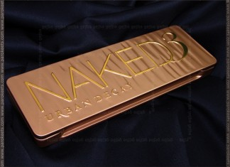 Urban Decay Naked 3 palette closed