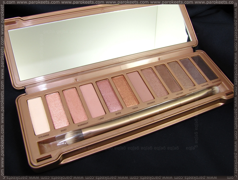 Urban Decay Naked 3 palette opened