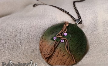 Brlogarka Amazonia fimo necklace