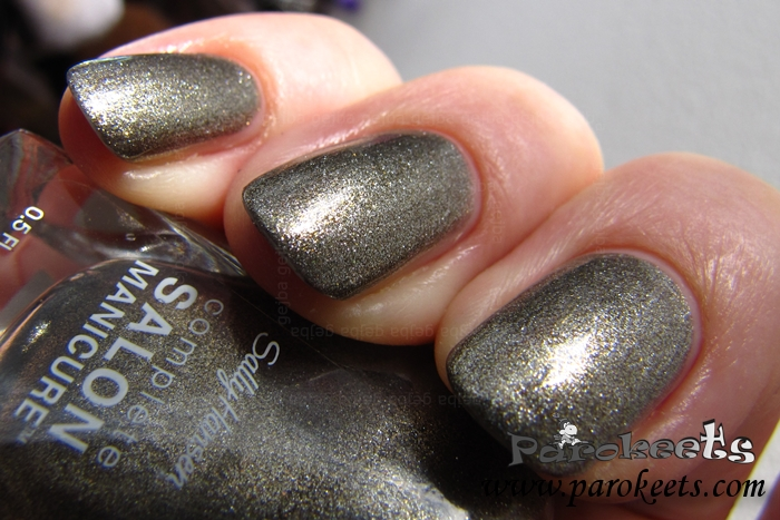 Sally Hansen Shoot The Moon 677 nail polish sun