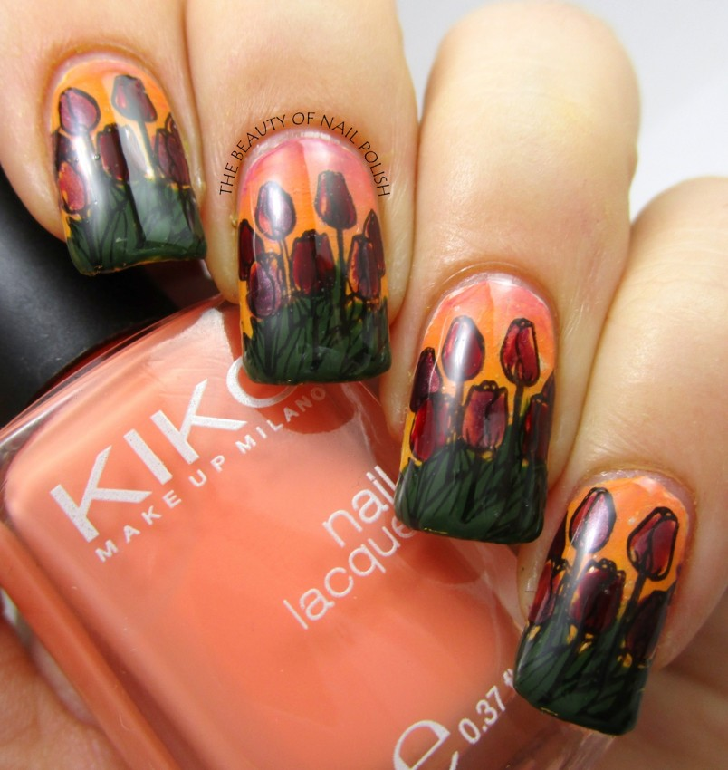 Tara - tulips manicure 6