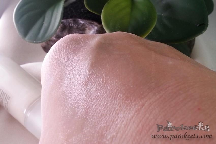 Bocassy Serum on skin
