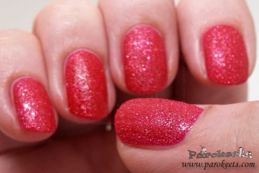 Avon Mineral Crush Ruby nail polish