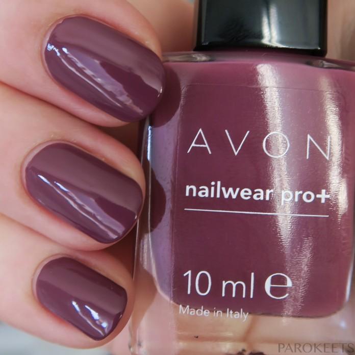 Avon Sinful Romance nail polish (Modern Romance) daylight