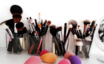 Brush collection by Gejba Parokeets