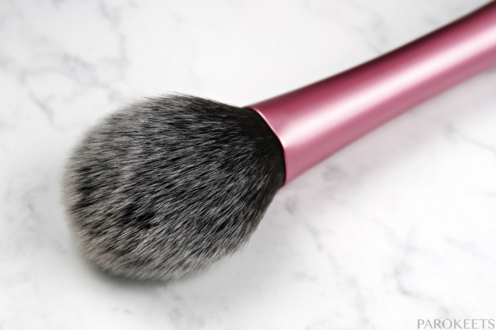 Real Techniques Blush Brush umetne ščetine