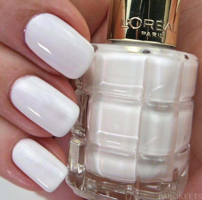 Color Riche Le Vernis a lHuile 112 Blanc De Lune nail polish swatch