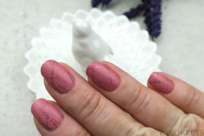 Roza manikura za Rožnati oktober