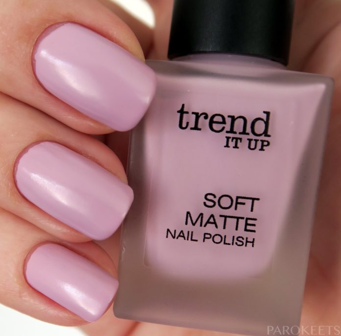 Trend It Up Soft Matte 030 vijoličen lak za nohte